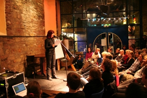 Poetry Slam in der Lagerhalle